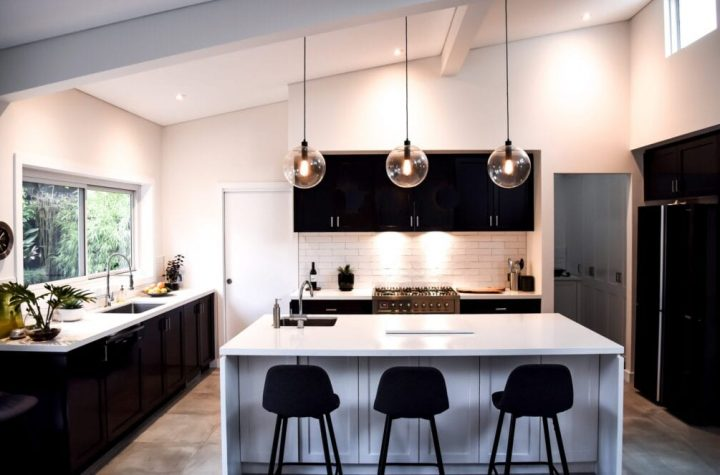 Tips on Choosing the Right Chandelier Light For Your Home