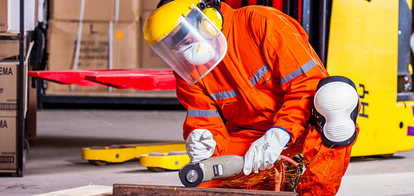 Why Industrial Coverall Suppliers Are The Preferred Option For Businesses